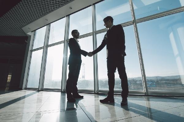 C'est l'histoire d'un apporteur d'affaires qui se veut (se rêve ?) agent commercial…